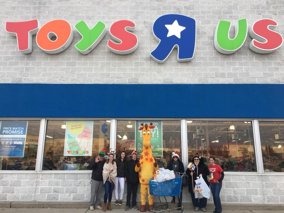 Toys for Tots Toys R Us Santa At The Swampwalk 2017